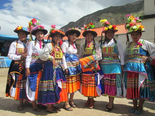 Mujeres de Omate