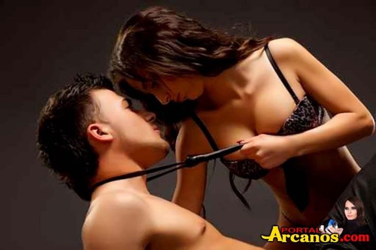Fashion Naked Couple, Dramatic image shot in studio