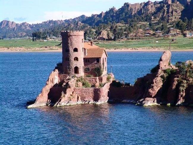 castillo-en-el-titicaca-1